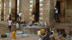 Flüchtlinge bei einem Schulhaus in Juba, der Hauptstadt Südsudans.
