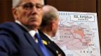 US-Verteidigungsminister Chuck Hagel vor einer Landkarte, die zeigt, wo sich der «Islamische Staat» ausbreitet.