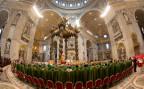 Papst Franziskus eröffnet die Bischofssynode im Petersdom
