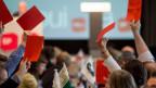 Die SP-Delegierten stimmen an der DV in Liestal ab