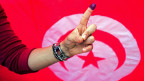 Eine Wählerin in der tunesischen Stadt Ben Arous.