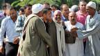 Angehörige und Freunde der getöteten Soldaten bei der militärischen Begräbnisfeier in Kairo.