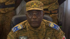 Burkina Fasos Militärchef General Honore Traore gibt am 31. Oktober 2014 die Machtübernahme in Ouagadougou bekannt. Der Präsident Blaise Compaoré musste nach heftigen Massendemonstrationen nach 27-jähriger Amtszeit zurücktreten.