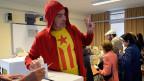 Vermag das Resultat der symbolischen Abszimmung über Kataloniens Unabhängigkeit die spanische Regierung dazu bewegen, den Katalanen irgendwie Hand zu bieten? Bild: Abstimmungslokal in Barcelona.