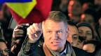 Klaus Johannis, Siebenbürger Rumäne mit deutschen Wurzeln, zelebriert seinen Wahlsieg.