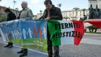 Vor dem Kassationsgericht in Rom protestierten auch am Mittwoch Angehörige von Asbest.Opfern gegen Eternit Italia.