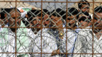 Gefangene im Gefängnis von Abu Ghraib in der irakischen Hauptstadt Begdad.