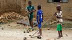 Auch von Afrikas Kindern ist Kreativität gefragt.