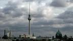 Wolken über dem Berliner Alexanderplatz.