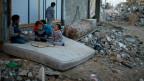 Im Gazastreifen sieht aus wie nach einem Erdbeben: Steinhaufen, eingestürzte Häuser, Ruinen.