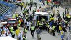 Einsatz von Sanitäts- und Sicherheitskräften nach der Expöosion einer Bombe am Boston Marathon, am 15. April 2013.