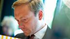 FDP-Chef Lindner sieht die Zukunft seiner Partei ... nicht rosig, aber magenta.
