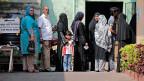 Vor einem Wahllokal in der srilankischen Hauptstadt Colombo.