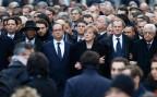 François Hollande, Arm in Arm mit Angela Merkel und Donald Tusk