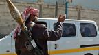 Ein Huthi-Kämpfer vor dem Präsidentenpalast in Sanaa.