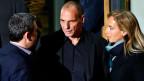 Neuer Finanzminister wird der Athener Ökonom Giannis Varoufakis (Mitte). Er will keinen Austritt des Landes aus dem Euro.