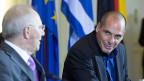 Wolfgang Schäuble und Yanis Varoufakis diskutieren über Griechenlands Anfrage um EU-Übergangshilfe bis im Mai.