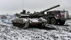 Die ukrainische Armee ist in der Nähe der Stadt Debalzewe mit Panzern im Einsatz.