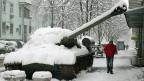 Ein pro-russischer Panzer in einer Strasse von Kiew - er steht symbolisch für den aktuellen Konflikt.«Die Ukraine ist jetzt zu einem Schlachtfeld geworden, auf dem das Schicksal Europas entschieden wird; jetzt könnte sich die Geschichte wiederholen», sagt ein Bewohner der ukrainischen Hauptstadt.