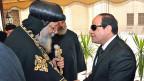 Das Oberhaupt der koptischen Christen in Kairo empfängt die Beileidsbezeugungen des ägyptischen Präsidenten.