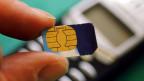 Der Skandal um mutmasslich gestohlene SIM-Kartendaten bringt den weltweit führenden Kartenhersteller Gemalto in Bedrängnis.
