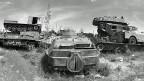 «Willkommen auf dem Panzerfriedhof von Tzagarat. All die Panzer und Waffen, die hier aufgehäuft sind, wurden ins Land gebracht, um das eritreische Volk auszulöschen. Sie wurden den Äthiopiern von Russen und Amerikanern geliefert, um uns zu zerstören», sagt Fitsum Gebratu, der Hüter des Panzerfriedhofs.
