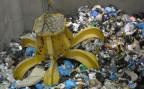Ein Müllgreifer der neuen Kehrichtverbrennungsanlage Perlen im Kanton Luzern