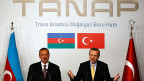 Der damalige türkische Premier Erdogan und der aserbaidschanische Präsident Aliyew bei der Unterzeichnung der Vereinbarung zum Trans-Anatolian-Natural-Gas-Pipeline-Project «Tanap», am 26. Juni 2012.
