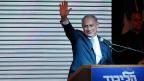 Der Neue ist der Alte: Israels Premier Benjamin Netanyahu grüsst seine Anhänger.