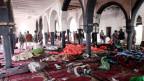 Eine der Moscheen in der Hauptstadt Sanaa, wo sich einer der Selbstmordattentäter in die Luft sprengte.