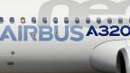 Schriftzug eines Airbus A320neo, nach einem ersten Testflug.