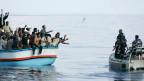 Eine 24-Stunden-Hotline für Flüchtlinge in Seenot, wenn es um Leben und Tod geht.