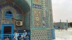 Die weltberühmte blauen Moschee von Mazar-e-Sharif. Ein Imam sagt: «Wer einen Menschen tötet, kommt nicht in den Himmel, sondern in die Hölle. Aber in Afghanistan sind die Menschen ungebildet und arm, sie töten, weil sie Geld dafür bekommen.