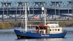 Die «Sea Watch» auf der Süderelbe in Hamburg. In Kürze sollen mit ihr auf dem Mittelmeer Flüchtlinge gerettet werden.