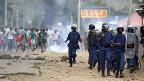In Bujumbura, der Hauptstadt Burundis in Ostafrika lieferten sich am Wochenende Demonstranten und Sicherheitskräfte Strassenschlachten.