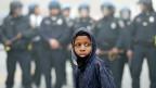 Dieselben Bilder wie in Ferguson, aber auch dieselben Bilder wie vor 50 Jahren. Wieder Rassenunruhen in den USA - trotz sieben Jahren Obama.