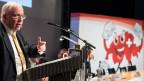 Christoph Blocher spricht zu den Mitgliedern der AUNS an der Delegierterversammlung in Bern.