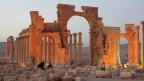Ansicht der alten Stadt von Palmyra im Zentrum von Syrien. Extremisten der IS-Miliz zerstören systematisch historische Stätten.