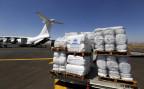 Ein Frachtflugzeug des UNHCR liefert Hilfsgüter