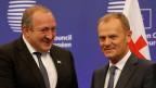 Georgiens Präsident Giorgi Margvelashvil (links) und Donald Tusk, Präsident des Europäischen Rates, in Riga am 22.Mai 2015.