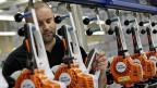 Der Eigentümer des Sägeproduzenten Stihl, Hanspeter Stihl,  lehnt die Erbschaftssteuer für Unternehmer vehement ab. Bild: Stihl-Produktionshalle im schwäbischen Waiblingen.