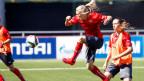 Die Frauen-WM ist das erste Fifa-Turnier nach der Korruptionsaffäre. Bild: Die Schweizer Fussballerin Lara Dicken (Mitte) beim Vorbereitungstraining im Empire Field, in Vancouver, Kanada, am, 4. Juni 2015.