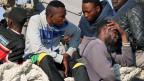 Jeden Tag kommen in Italien Boote mit Flüchtlingen an. Das Land bittet die EU um Hilfe.