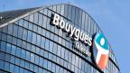 Die französische Regierung hofft auf mindestens 2,5 Milliarden Euro – aus der Versteigerung von Mobilifunk-Frequenzen, damit sollen steigende Militärausgaben finanziert werden. Die Fusion von SFR und Bouygues gefährdet dies nun.