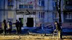 Viele Menschen in der Ostukraine glauben längst nicht mehr an eine Lösung, sie fühlen sich vergessen und verraten. Eine Strasse in der Stadt Mariopol.