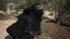 Aus Deutschland sollen laut einer Studie bereits 100 Frauen ausgereist sein, um sich dem IS anzuschliessen.