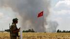 Die Kurden in Syrien werden über den Tisch gezogen, sagt der Beobachter in Istanbul. Bild: Türkischer Soldat an der Grenze zu Syrien.
