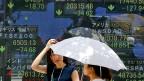 Auf die Bank oder unter die Matratze: Nach dem Börsencrash gibt es für Chinesen und Chinesinnen wenig Anlagemöglichkeiten.