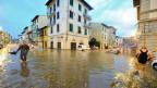 Rekordregen in Florenz: Die Wassermassen sind zwar in die Uffizien eingedrungen. Die Michelangelo- und Raffael-Bilder sind aber unbeschadet.