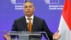 Eine Lösung des Flüchtlingsdramas in Ungarn scheint fern. Während in seinem Land hunderte Flüchtlinge in den Budapester Ostbahnhof drängen, erklärt Premier Orban in Brüssel: «Das Problem ist kein europäisches Problem».